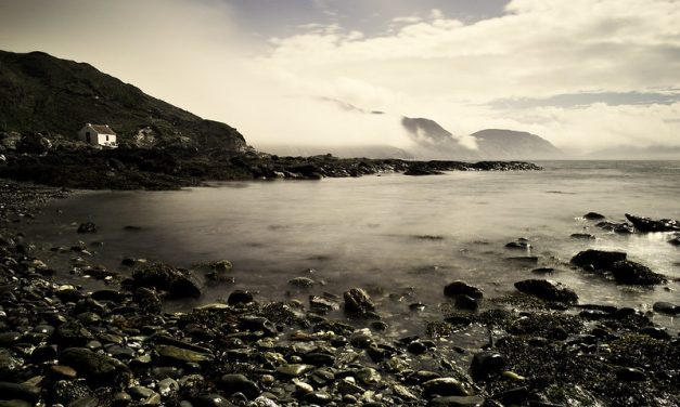 Chill Out at Niarbyl Beach